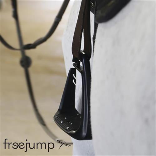 Safety first with Freejump stirrups